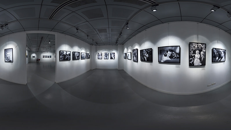 Virtual Tour Singapore – Inside Cannes Photography Exhibition