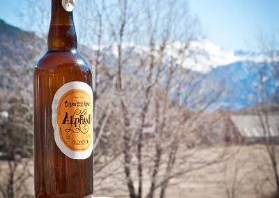 Alphand Blonde, bière des Alpes. Consumed in Monêtier-les-Bain